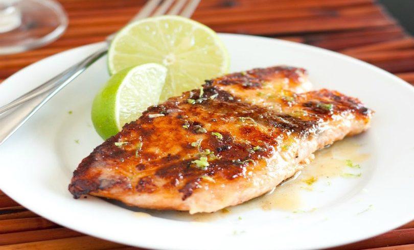 Salmone al forno al bergamotto: la ricetta per preparare un delizioso secondo piatto